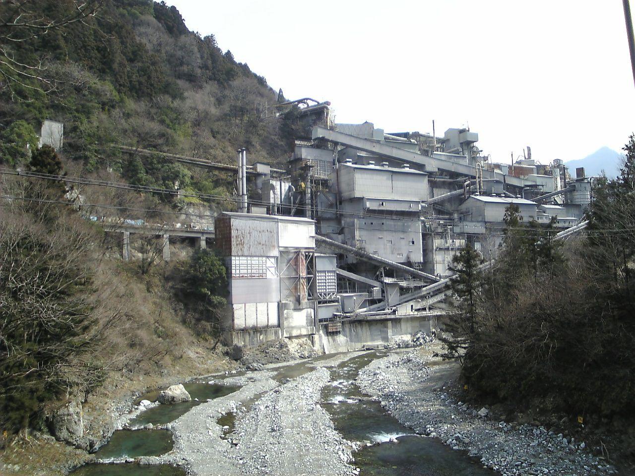 東京の有名な廃墟「奥多摩ロープウェイ ...